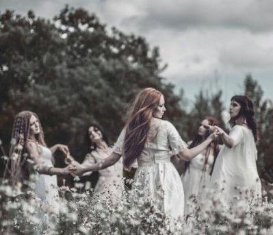 Feminin sacre sorciere