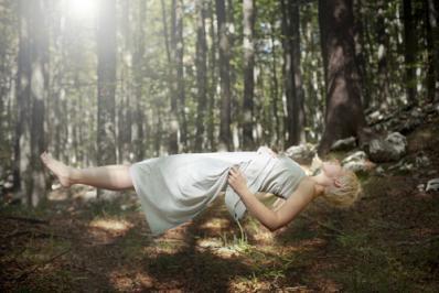 Yoga sommeil main 10428597
